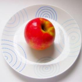 Oto dlaczego trzeba jeść mało i często
